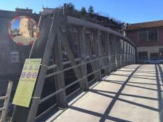 Pont-tannerie-40T-sur-riviere-dessus