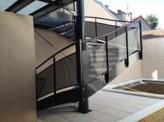 Escalier-metallique-maison